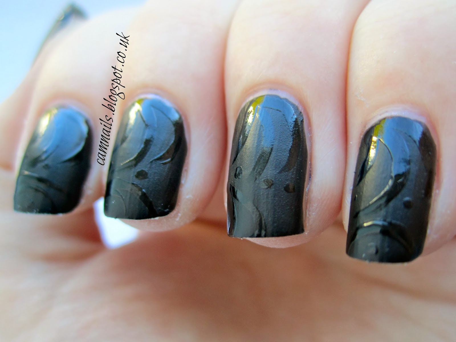 Cambridge Nails: 33DC Black Matte Contrast Nails