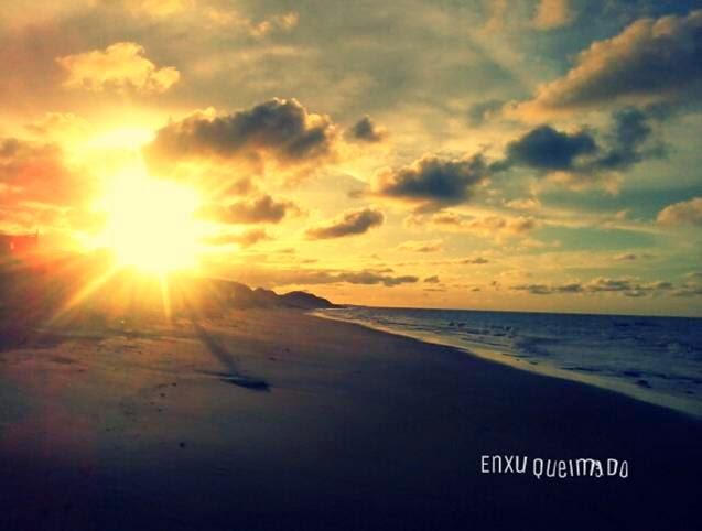 Pôr do sol  na Praia de Enxu Queimado