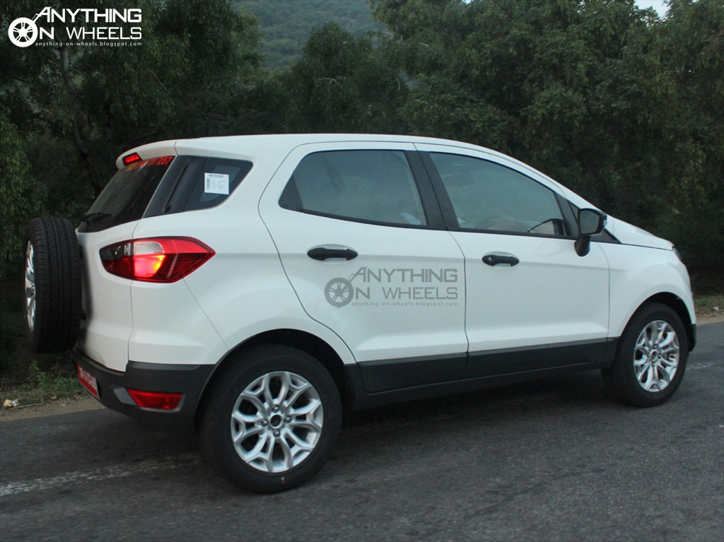 anything on wheels ford ecosport spotted testing near chennai. Black Bedroom Furniture Sets. Home Design Ideas