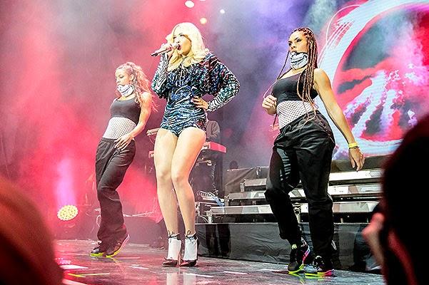 show Rita Ora in Moscow