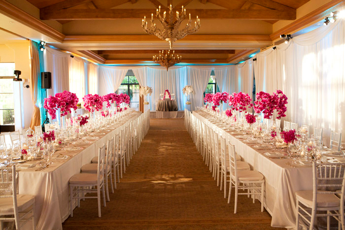 Flower Pulse: Elegant Estate Tables