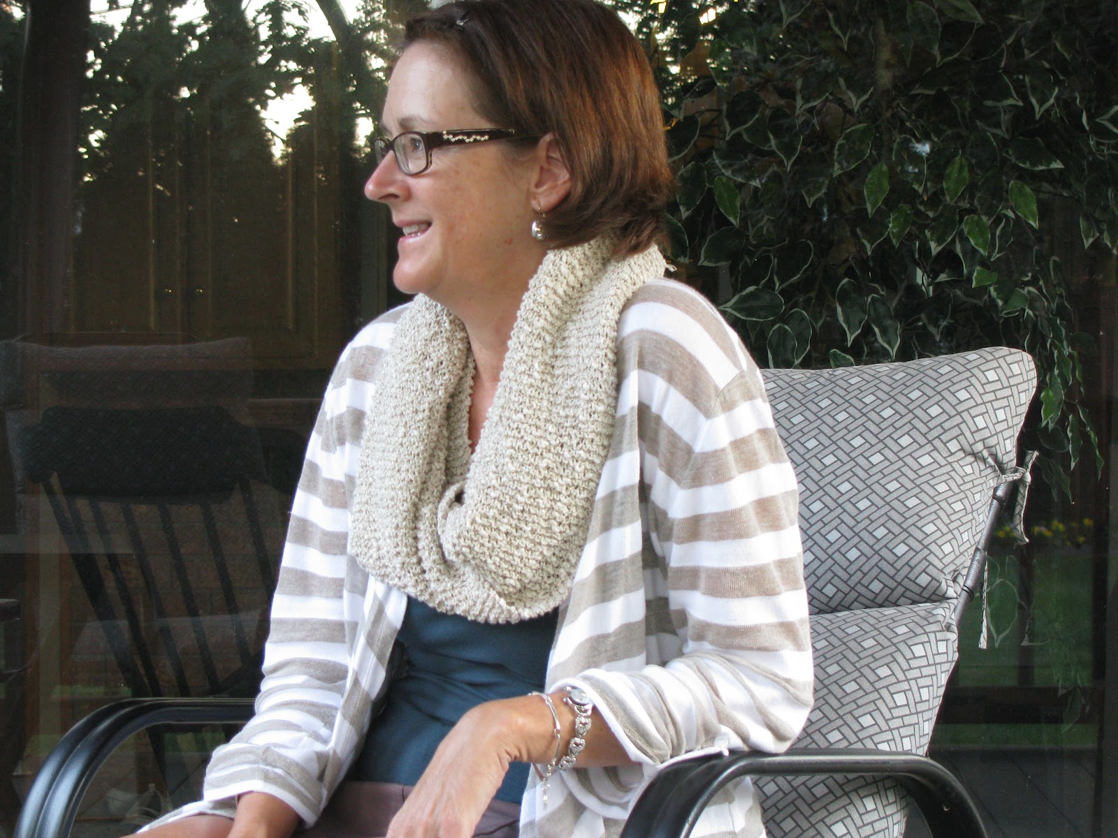 Chris knits in niagara oatmeal mobius cowl oatmeal mobius cowl bankloansurffo Image collections
