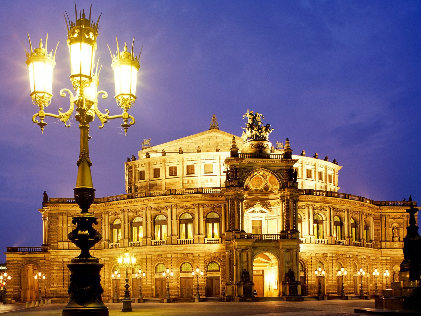 Dresden Capital City Of Germany World For Travel