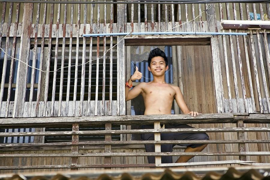 teenage-filipino-boy-naked