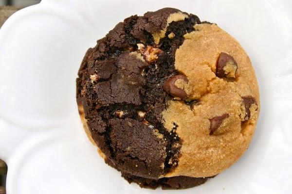 http://buddingbaketress.blogspot.com/2011/09/marbled-peanut-butter-chocolate.html