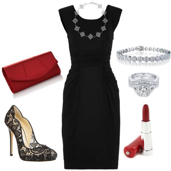 Vestido negro y zapatos plateados