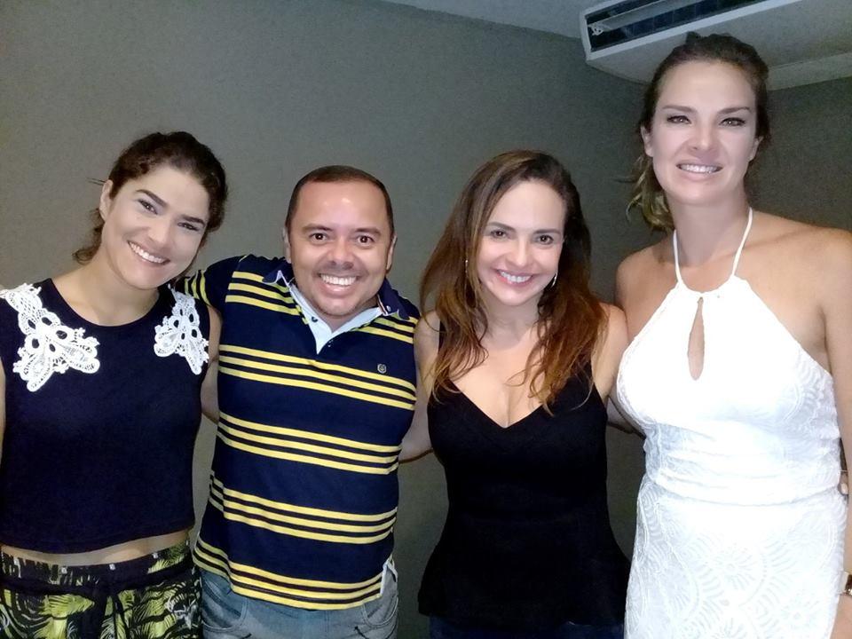 Com as  atrizes Priscila Fantin, Luzia Tomé e Letícia Birkheuer