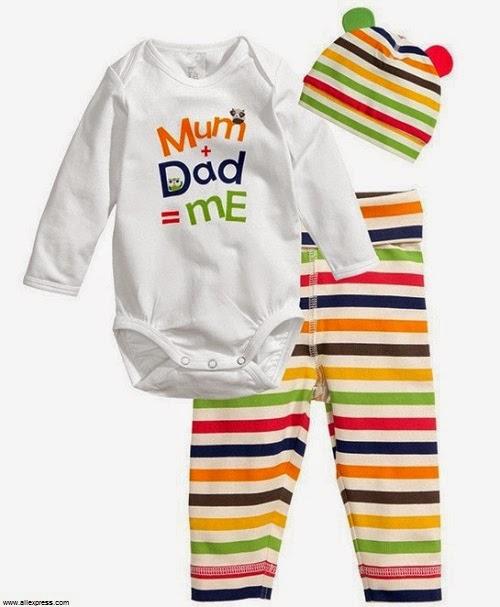 Une Pyjama bébé fille avec bonnet