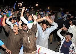 Έκτακτο συγκέντρωση Πακιστανών μέσα στο ΑΠΘ…