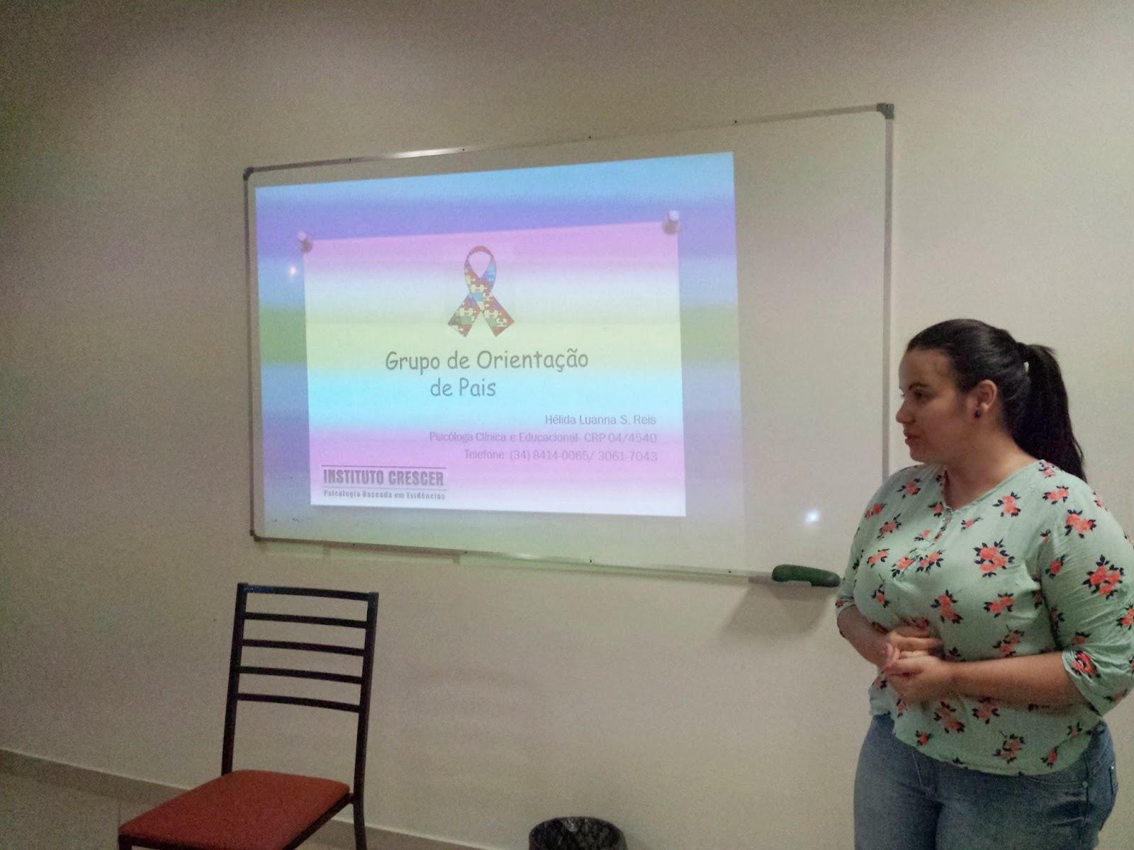 Psicóloga da Ello desenvolve ciclo de palestras na Associação Esperança Azul 1