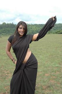 spicy actress navel show photos