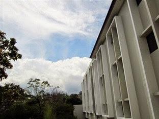 Hotel Bintang 2 Bandung - J Residence Guest House Ciumbuleuit