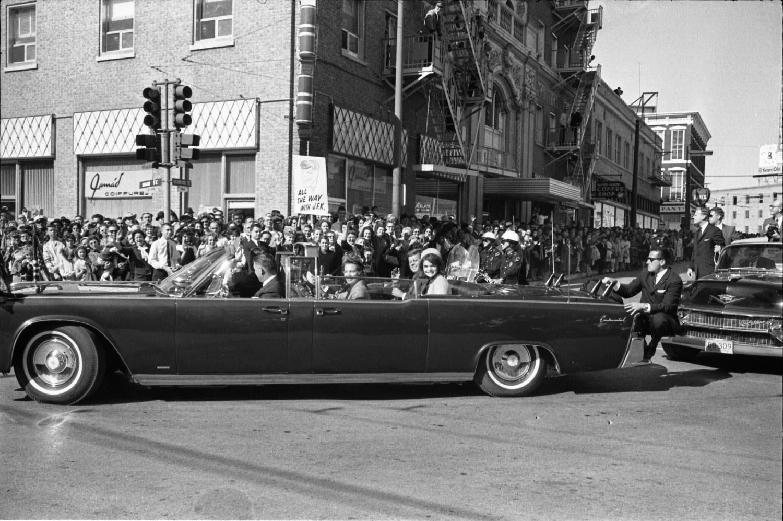 Kennedy en las calles de Dallas