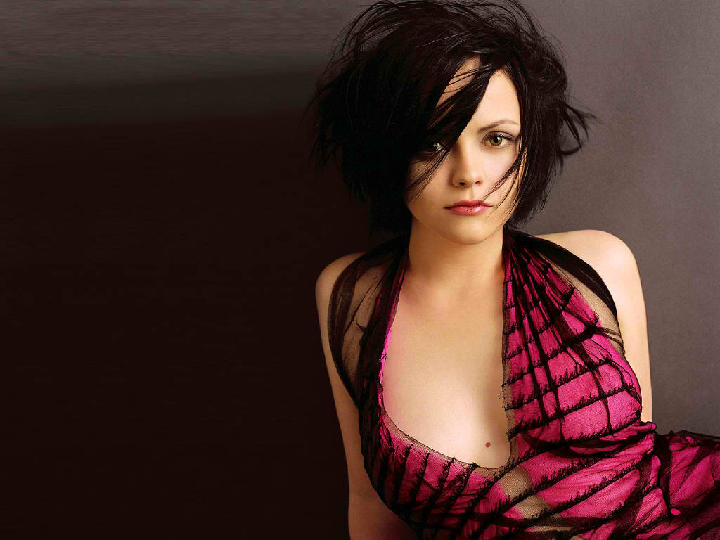 Wallpaper download hot - Christina Ricci Wallpaper Hot Picture Sexy Photo And Images Download