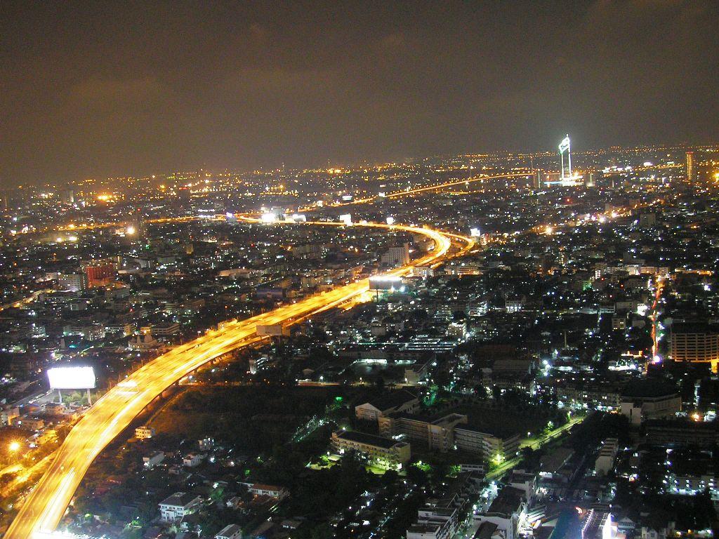 http://1.bp.blogspot.com/-amPer1W5iDY/TqfAnJM2ZpI/AAAAAAAADS8/FhGmfuWgQwk/s1600/bangkok+at+night.jpg