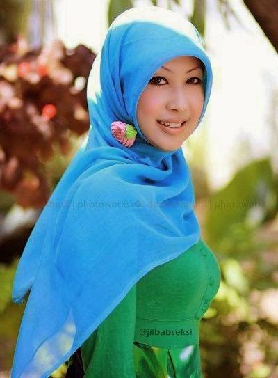 blog kumpulan foto cewek ber jilbab berikut foto tante jilbab montok ...