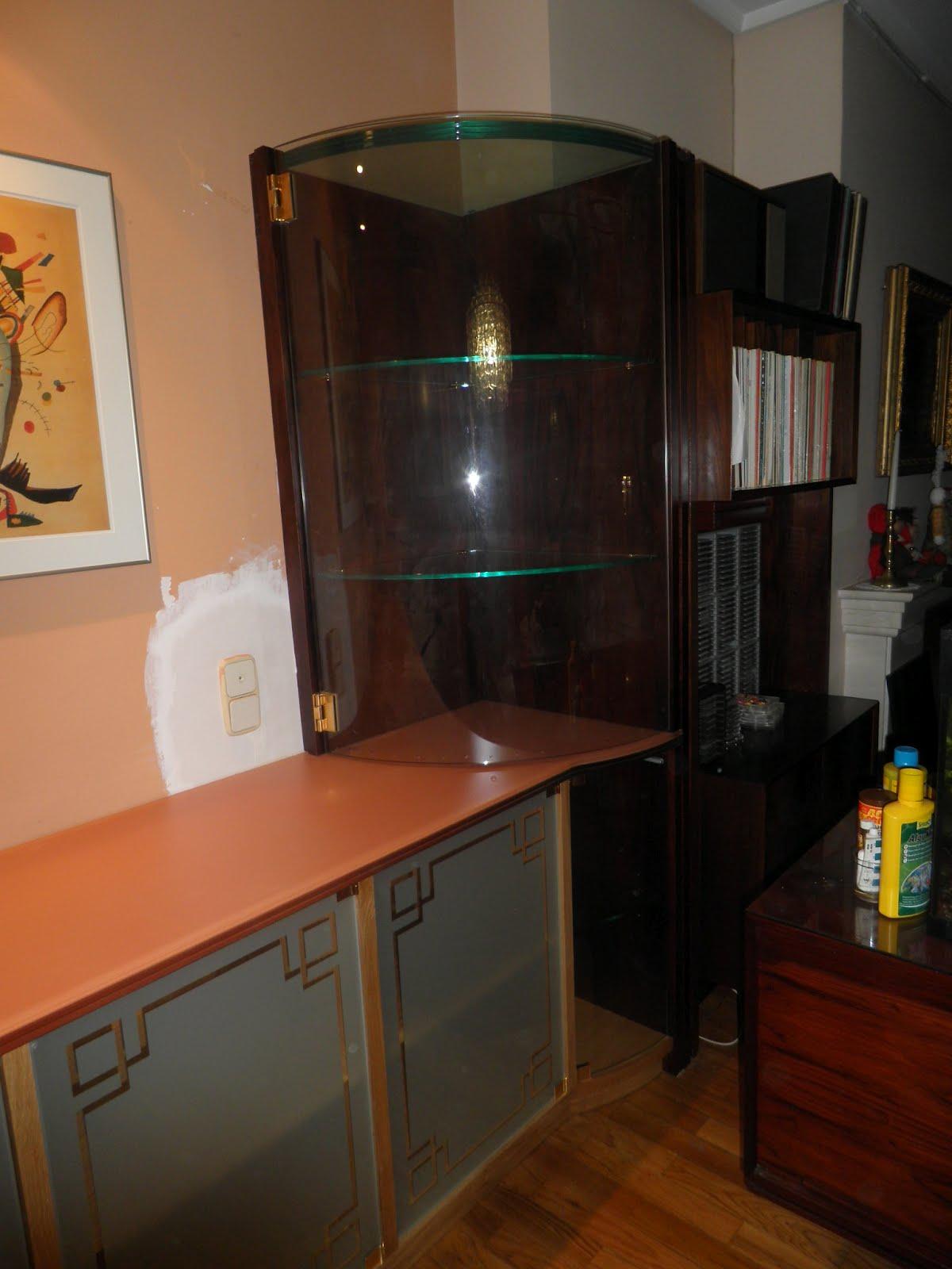 Mueble aparador con vitrina de cristal muebles cansado for Muebles de cristal