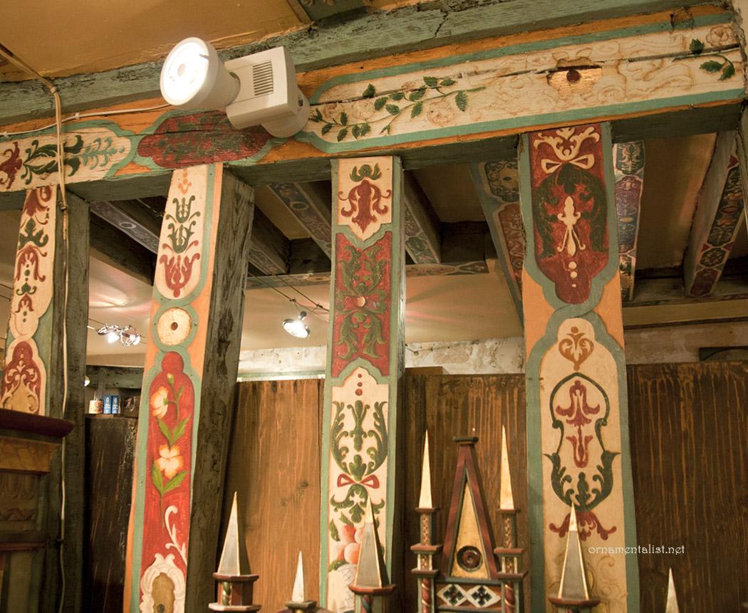 The ornamentalist studio visit atelier peinture sur bois for Peintre sur bois
