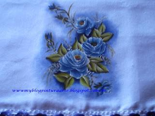 Pintura em tecido-rosas azuis