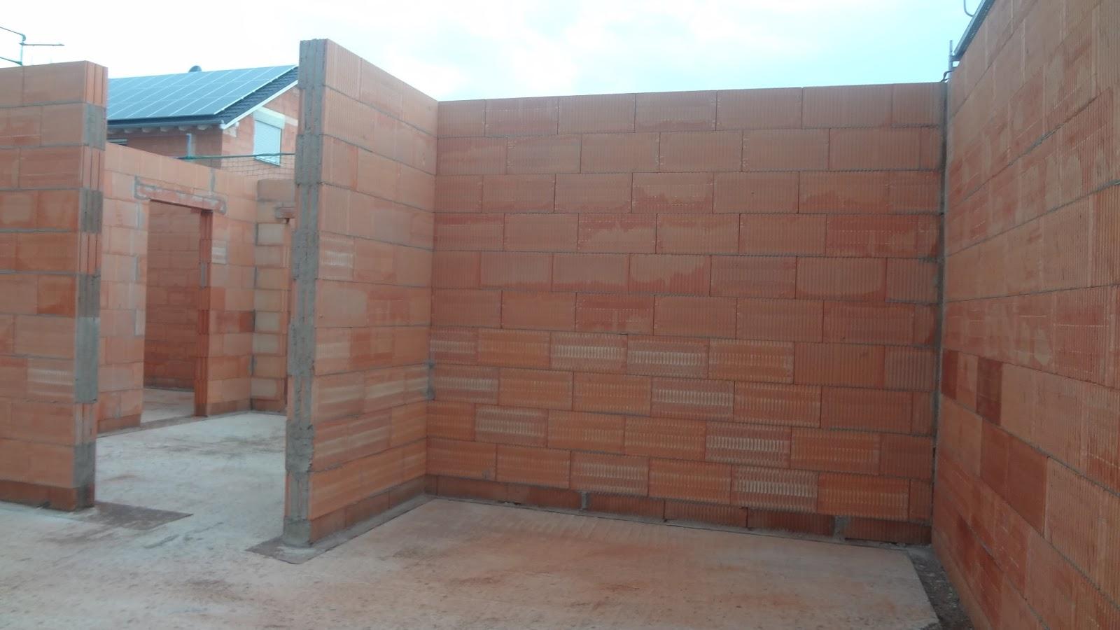 wir bauen unser h uschen mit heinz von heiden erdgeschoss ist gemauert. Black Bedroom Furniture Sets. Home Design Ideas