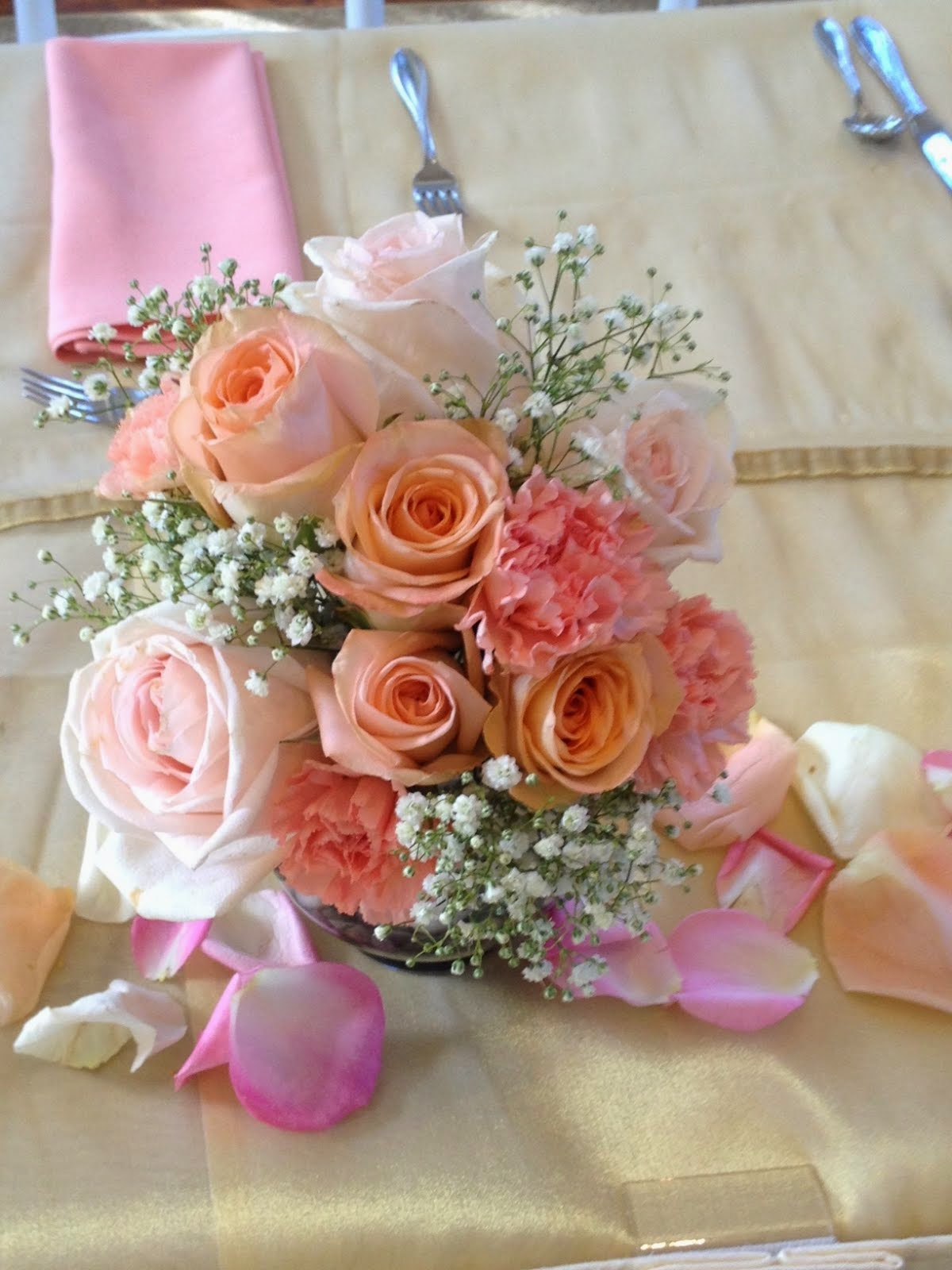 Jens Wedding Flowers Soft And Romantic Peach Pink Blush Roses