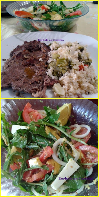 Salada de rúcula, abacate, muçarela de búfala, tomate, cebola, linhaça e azeit