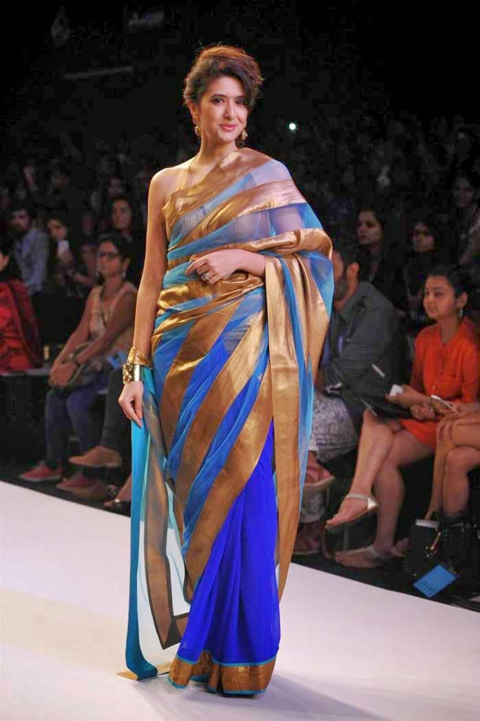 Model displays Mandira Bedi creation