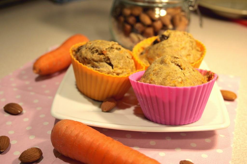 Muffiny marchewkowe z rodzynkami i migdałami