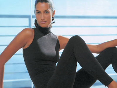 Canadian Beauty Yasmeen Ghauri Wallpaper