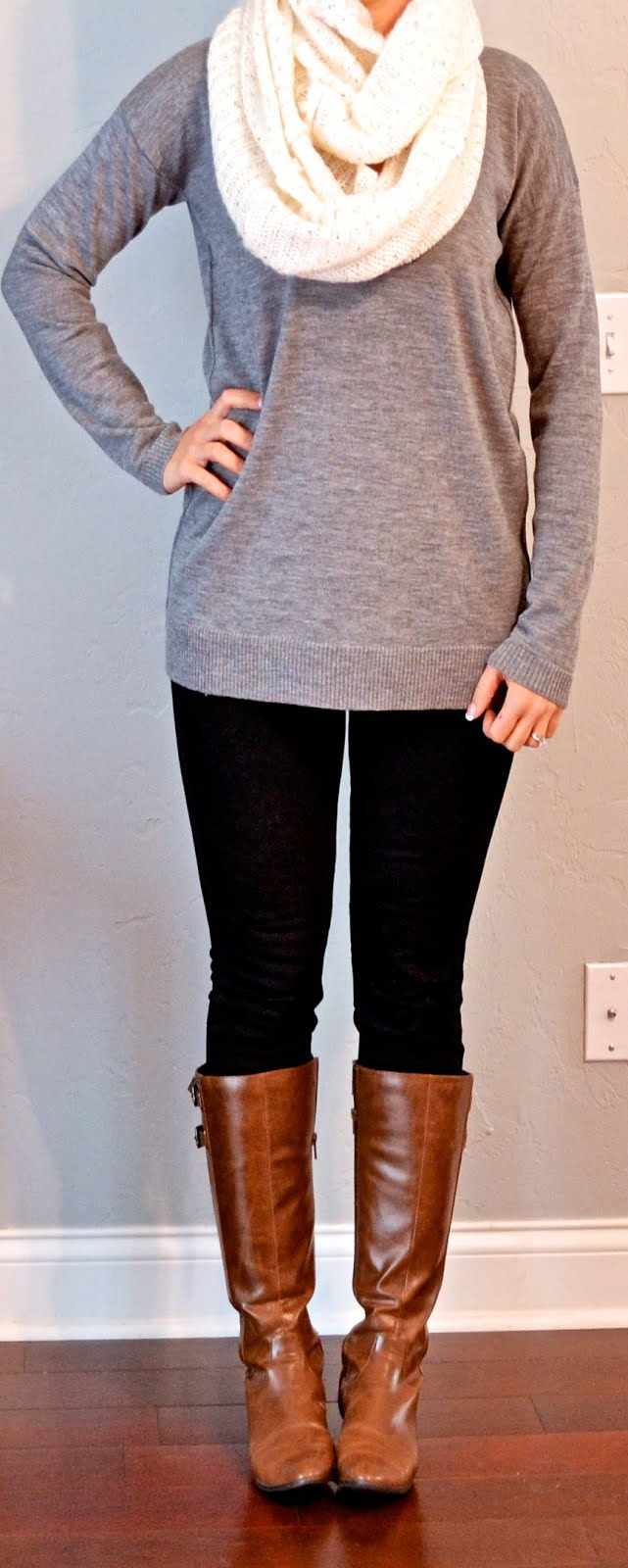Outfit Posts outfit post grey tunic sweater black skinny jeans cream infinity scarf