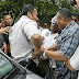 Video Pengawal Peribadi Anwar Ibrahim Acu Pistol & Ditahan Pihak Polis DI Jasin
