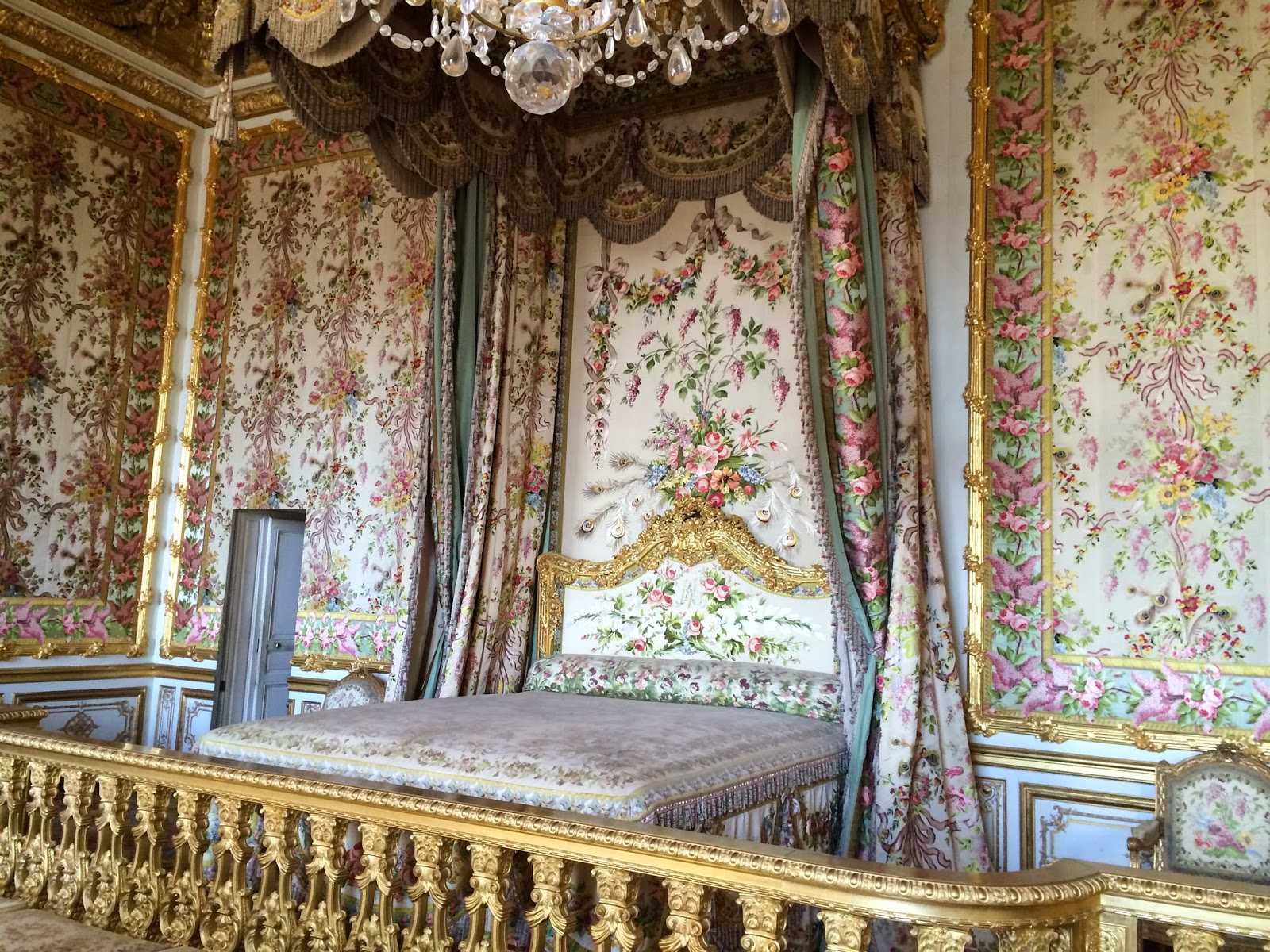 maison decor palace of versailles marie antoinette and