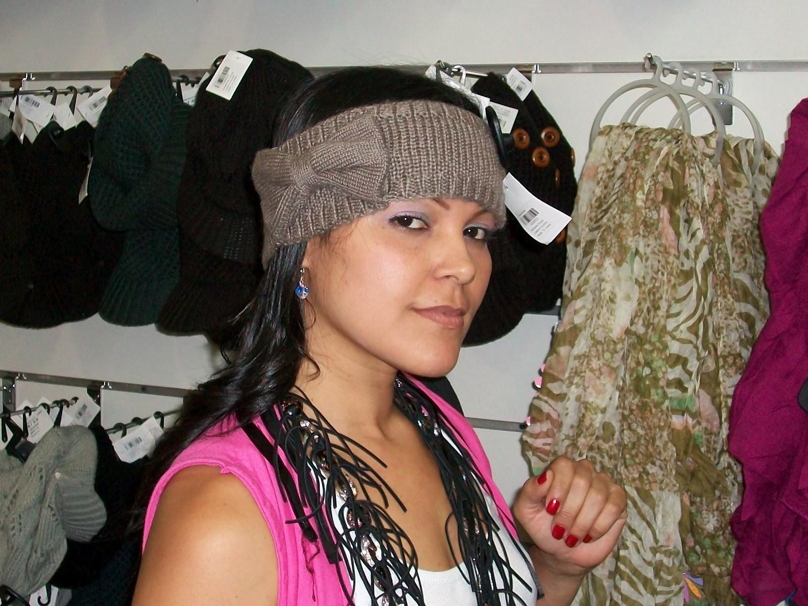 Cada vez son más las opciones para adornar nuestras cabelleras, las bandas  tejidas con colores hermosos, es una de ellas.
