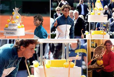 Este año, la organización le obsequió con una tarta de cumpleaños y el público le cantó