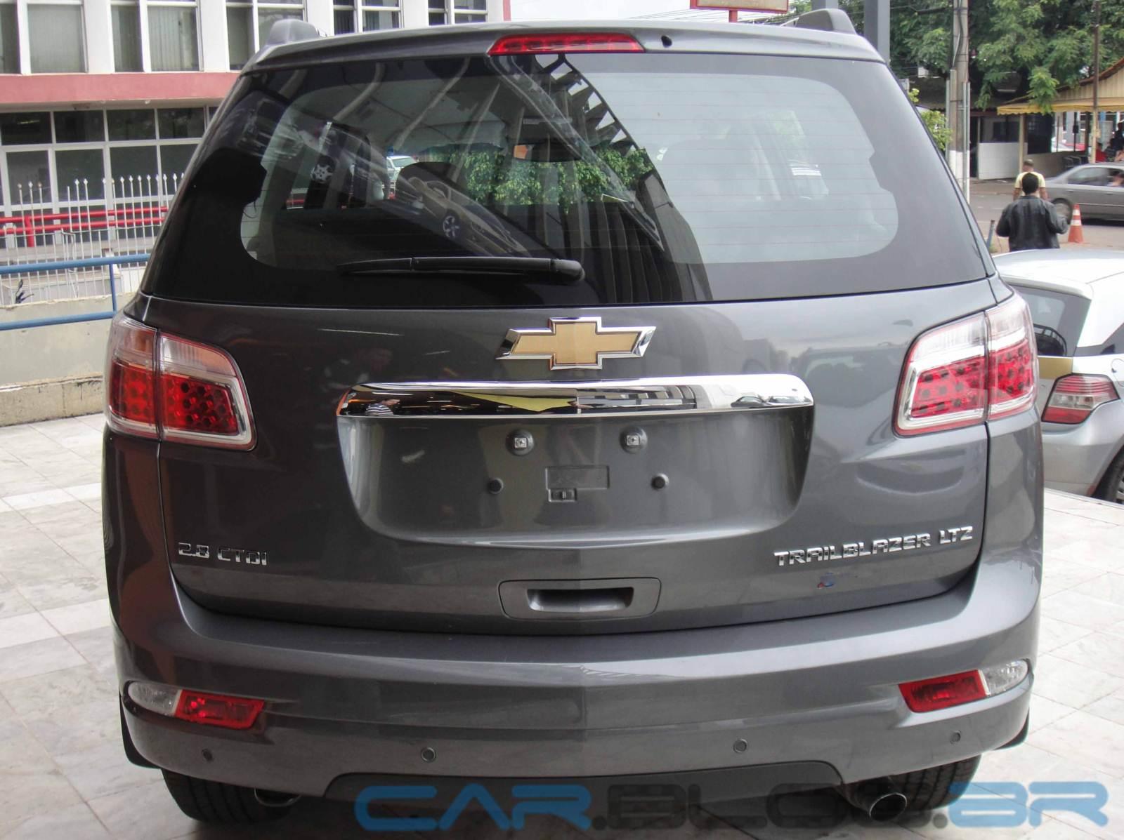 Chevrolet TrailBlazer Logos