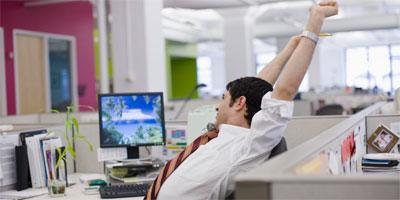 4 Ways To Practice Yoga At Work !!!