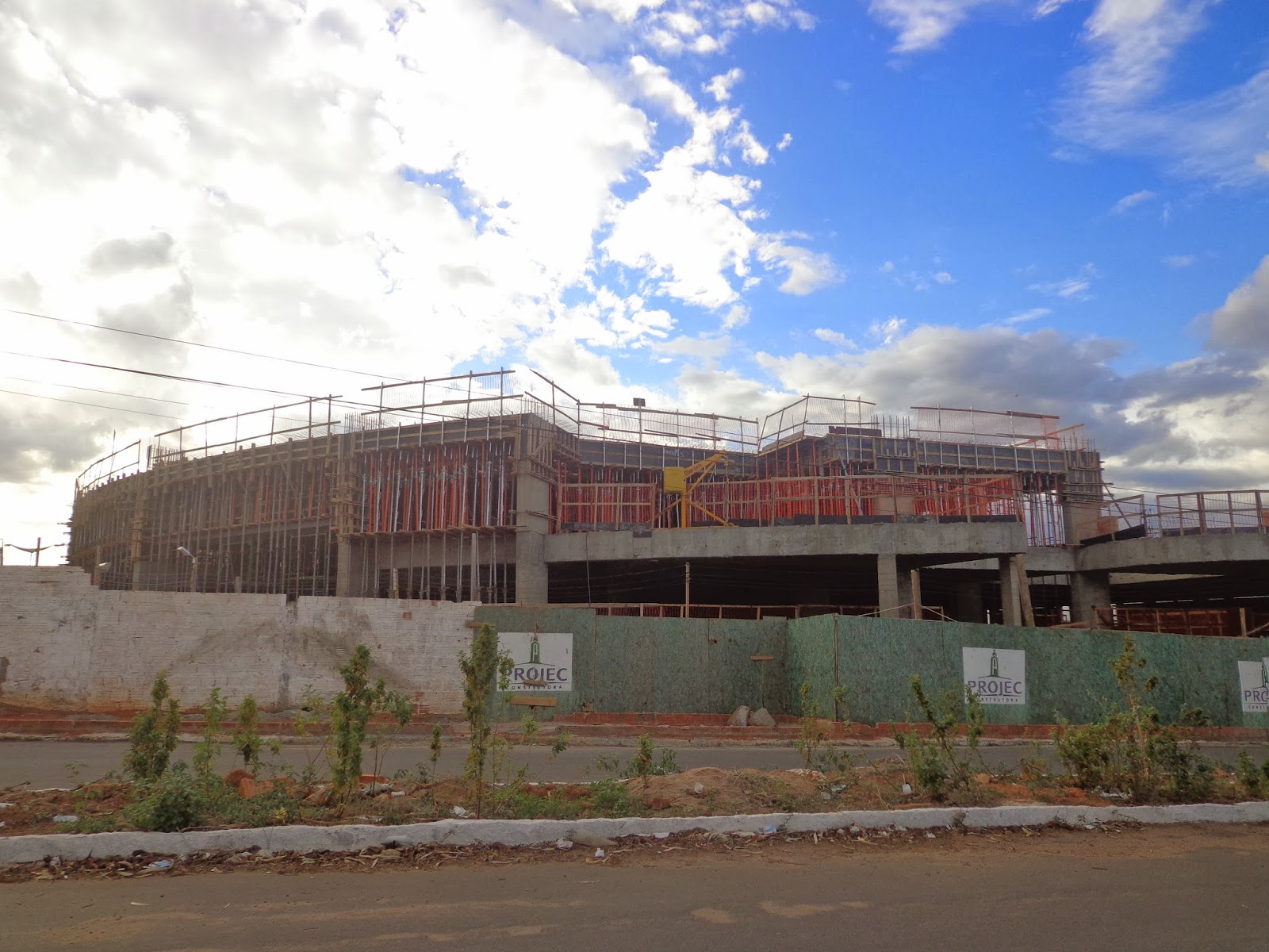 Hotel Bristol em construção em Juazeiro do Norte.