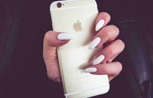 white iphone white nails