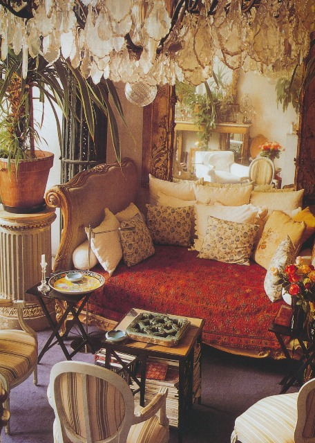 The peak of chic r i p loulou de la falaise for Bohemian style daybed