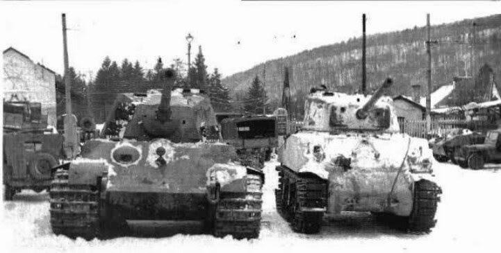 King tiger tank vs sherman - photo#1