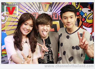 Greyson with Channel V Music hosts in Bangkok Thailand 2012