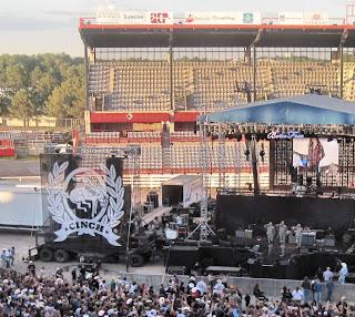 Military Salute - Kid Rock Concert