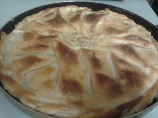 Мясной пирог с сырно-сливочной начинкой