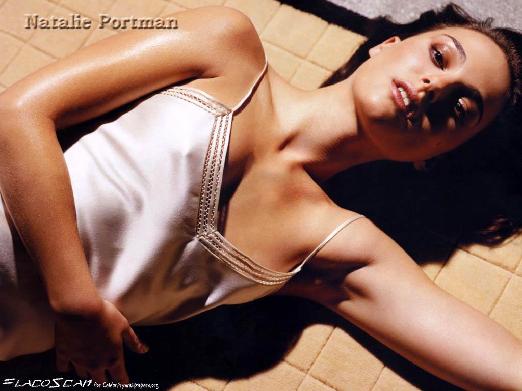 http://1.bp.blogspot.com/-aoH3Mp3oPwU/TmTcJPsKqSI/AAAAAAAAAXo/SZvtsW1gIpE/s1600/Natalie-Portman-Hot-Pics-Corner-+%25283%2529.jpg