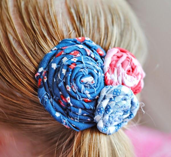 flores enrolladas para el pelo