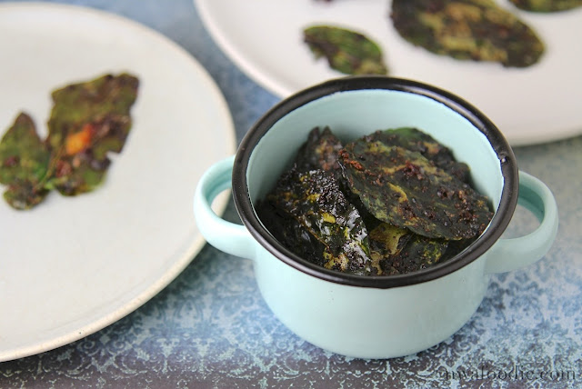 #denigris1889 Parmesan-vinaigrette baked spinach chips – main ©nwafoodie