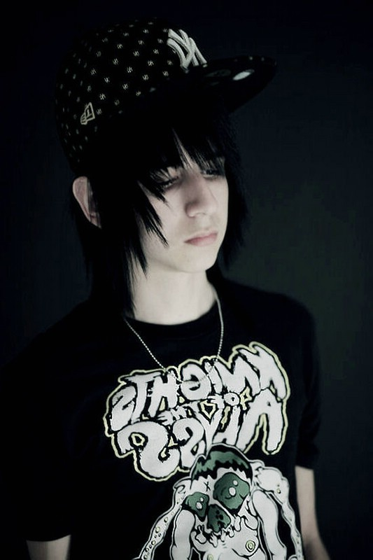 emo hairstyles for guys. Boys Emo Hairstyle Photo