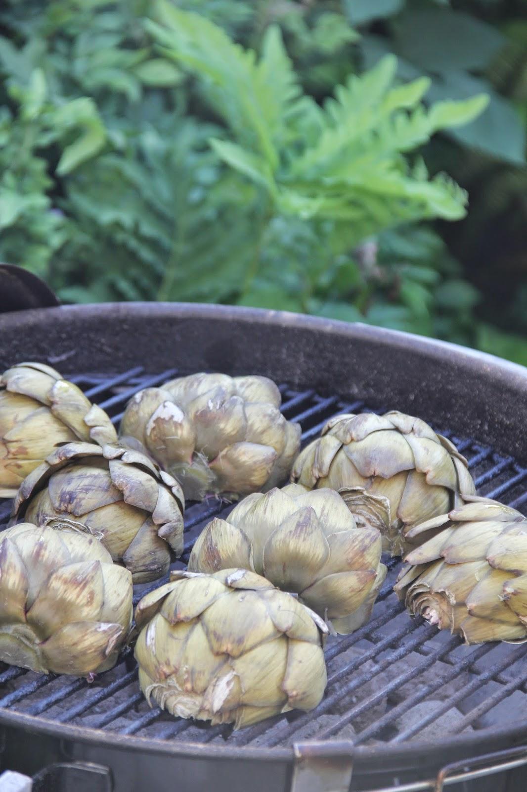 Gegrilde artisjokken met knoflook-Parmezaan boter - www.desmaakvancecile.com