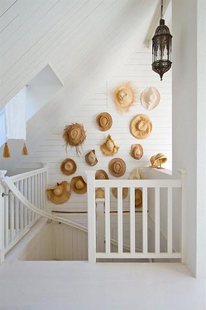 Decoraci n f cil decorar las paredes con sombreros - Decoracion original hogar ...