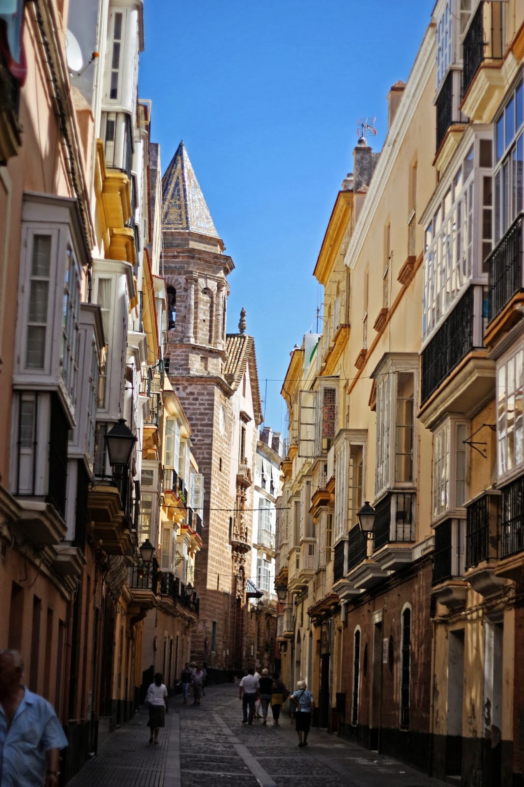 beautiful street of Càdiz
